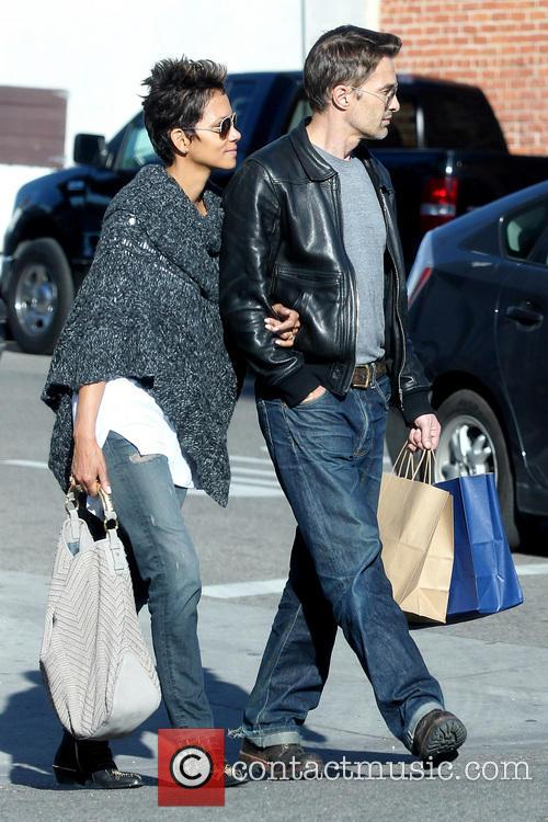 Halle Berry and Olivier Martinez 14