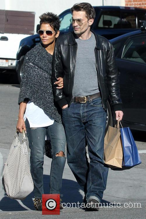 Halle Berry and Olivier Martinez 17