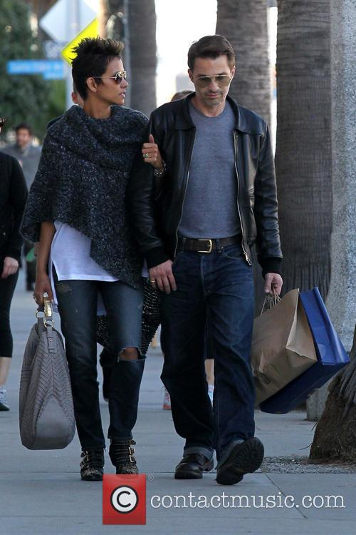Halle Berry and Olivier Martinez 18