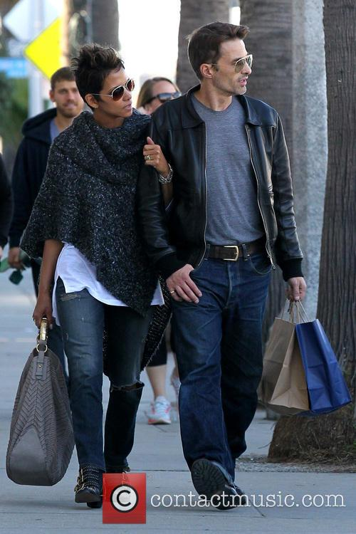 Halle Berry and Olivier Martinez 20