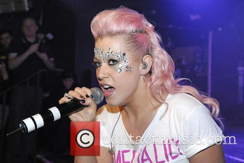 Amelia Lily performs live