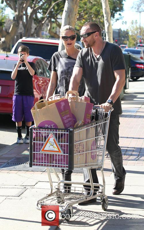Heidi Klum goes grocery shopping