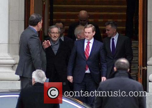 Steven Spielberg, Daniel Day-lewis, Enda Kenny and Jimmy Deenihan 4