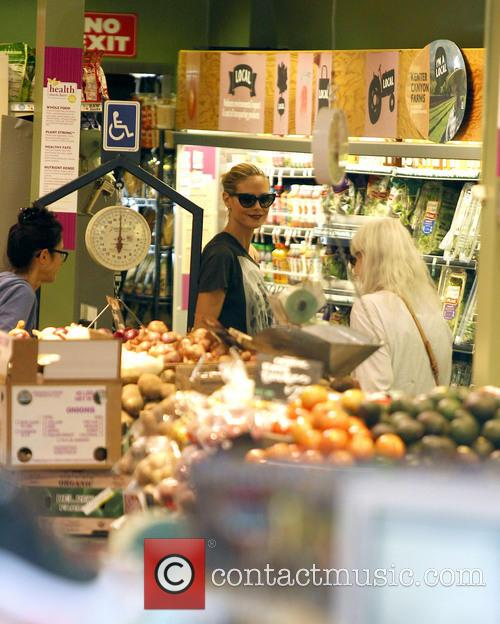 Heidi Klum Grocery Shopping