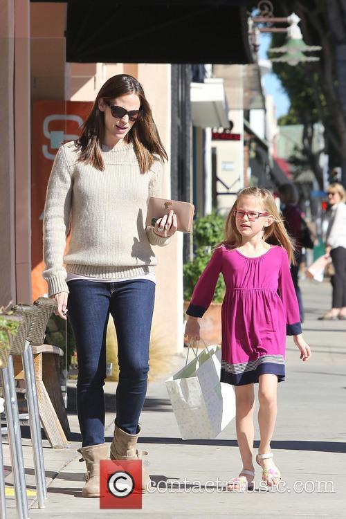 Jennifer Garner and Violet Affleck 4
