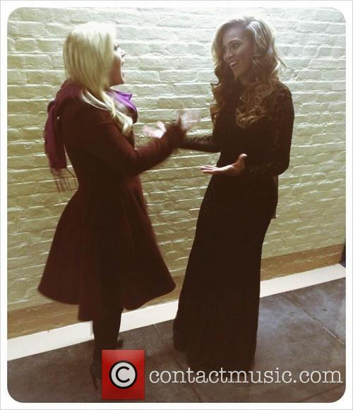 Kelly Clarkson and Beyonce 1