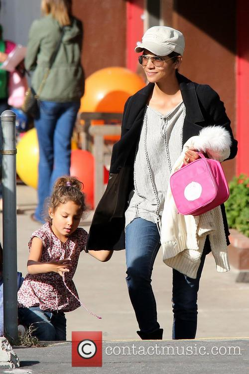 halle berry halle berry collects her daughter nahla 3462484