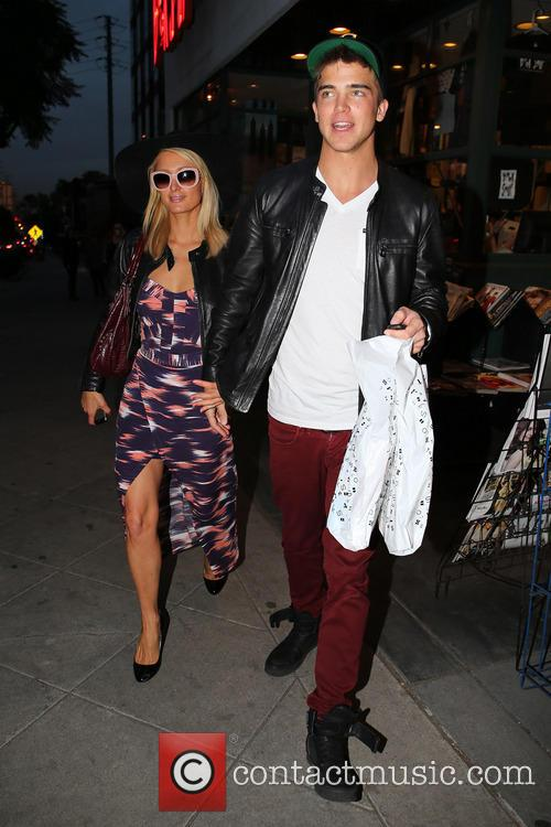 Paris Hilton and her boyfriend River Viiperi shop for books