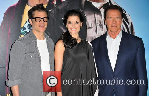 Johnny Knoxville, Jaimie Alexander and Arnold Schwarzenegger 4