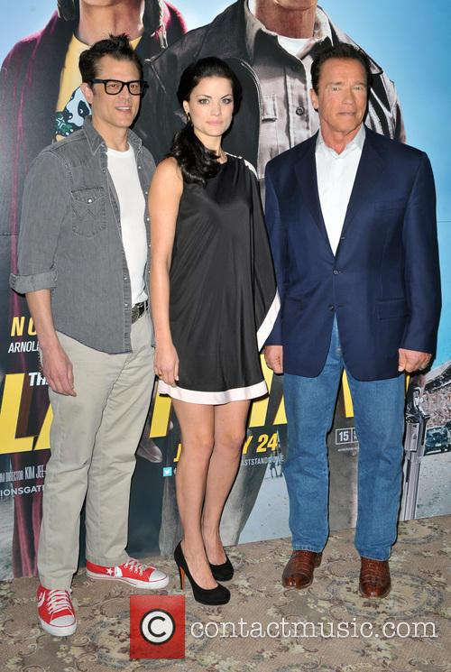 Johnny Knoxville, Jaimie Alexander and Arnold Schwarzenegger 1
