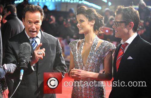 Arnold Schwarzenegger, Jaimie Alexander and Johnny Knoxville 4