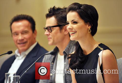 Arnold Schwarzenegger, Jaimie Alexander and Johnny Knoxville 4