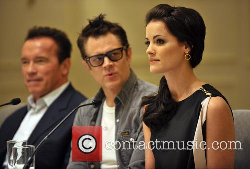 Arnold Schwarzenegger, Jaimie Alexander and Johnny Knoxville 7