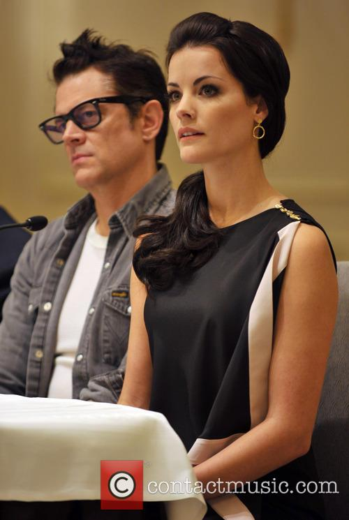 Jaimie Alexander and Johnny Knoxville 1