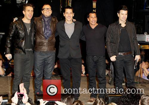 New Kids On The Block, Jordan Knight, Danny Wood, Jonathan Knight, Donnie Wahlberg and Joey Mcintyre 3