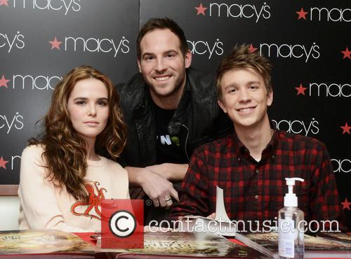 Zoey Deutch and Thomas Mann 8