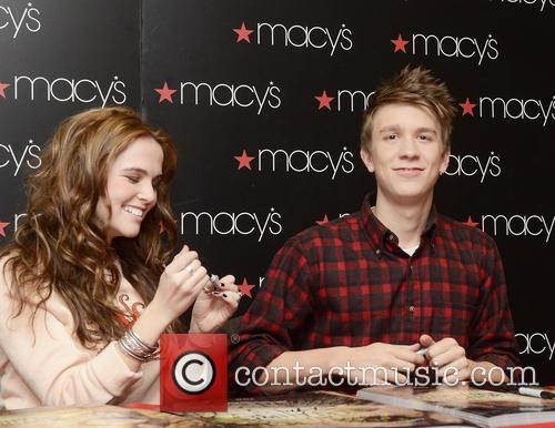 Zoey Deutch and Thomas Mann 10