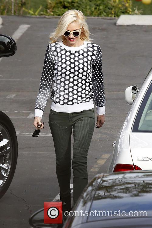 Gwen Stefani seen leaving Zuma Rossdale's school