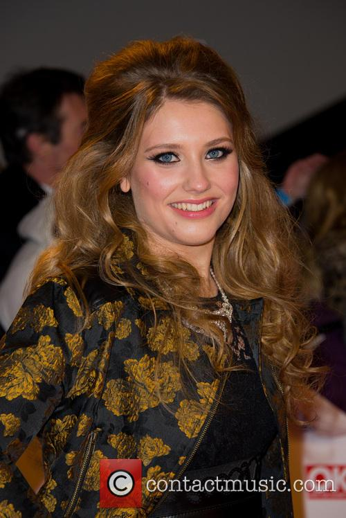 Ella Henderson 5