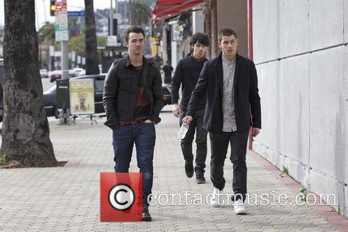 Nick Jonas, Kevin Jonas and Joe Jonas 2