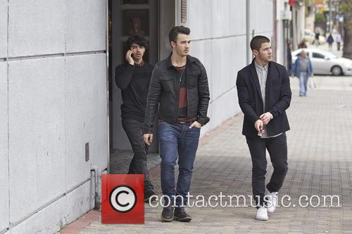 Nick Jonas, Kevin Jonas and Joe Jonas 13
