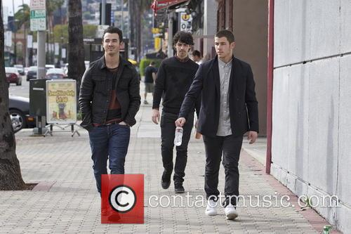 Nick Jonas, Kevin Jonas and Joe Jonas 14