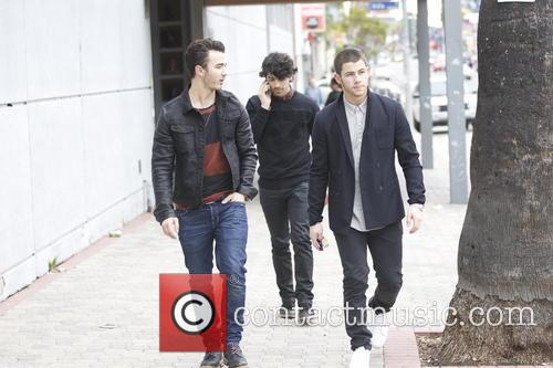 Nick Jonas, Kevin Jonas and Joe Jonas 16