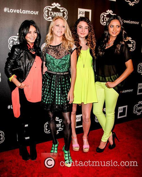 Vanessa Hudgens, Nanette Lapore, Violet Lepore and Shay Mitchell 2