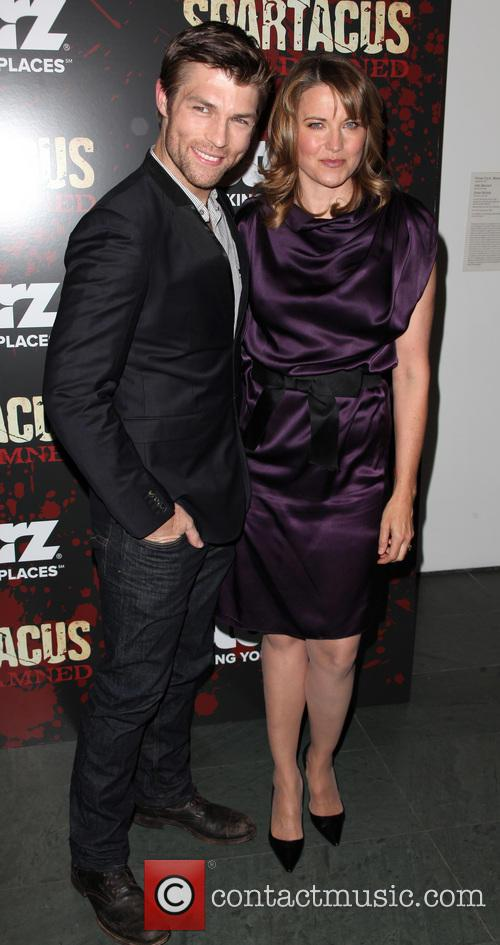 Liam Mcintyre and Lucy Lawless 4