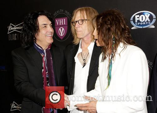 Paul Stanley, Tom Hamilton and Steven Tyler 4