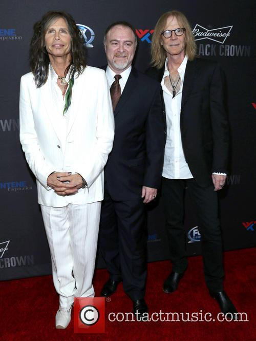 Steven Tyler, Steven Zeitels and Tom Hamilton 6