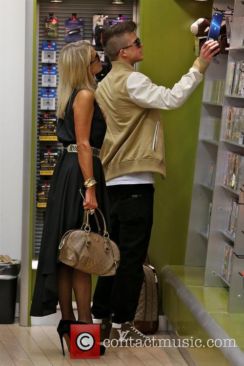 Paris Hilton and River Viiperi 17