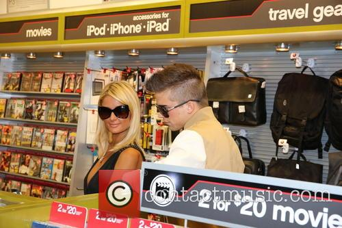 Paris Hilton and River Viiperi 54
