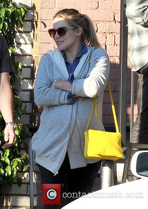 Pregnant Kristen Bell 6