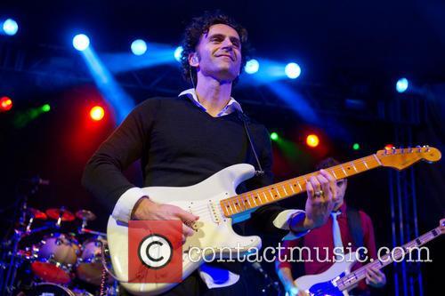 Dweezil Zappa 9