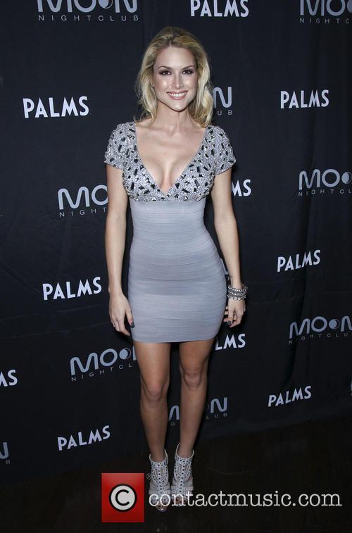 Tara Conner 4