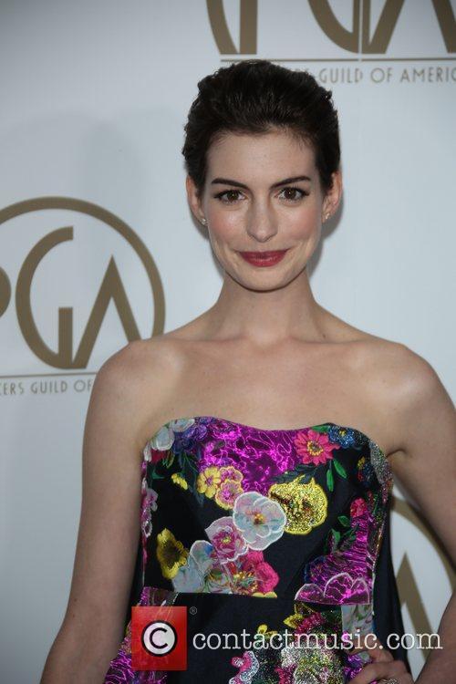 Anne Hathaway, Hotel Beverly Hills