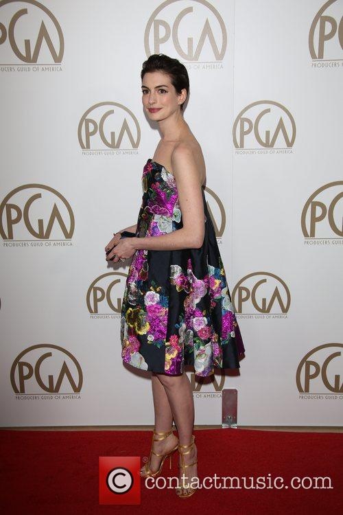 anne hathaway producers guild awards 3470554