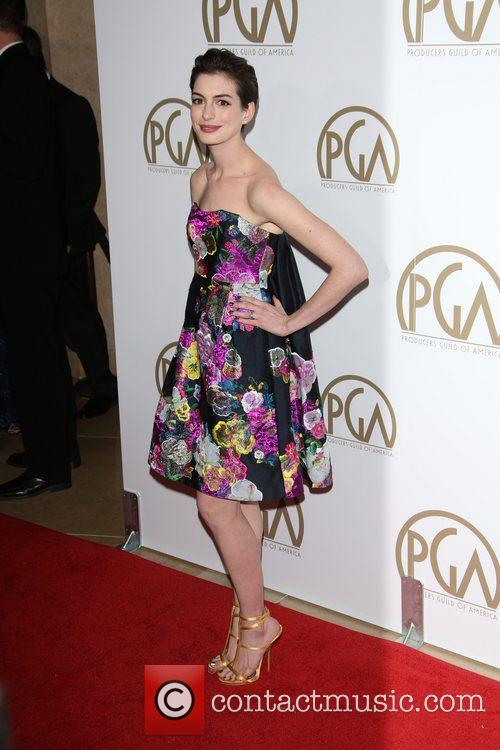 anne hathaway producers guild awards 3470594