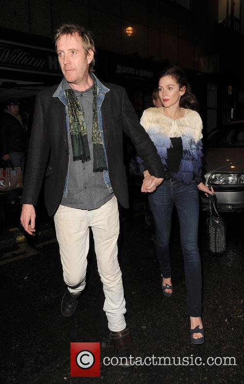 Anna Friel and Rhys Ifans 8