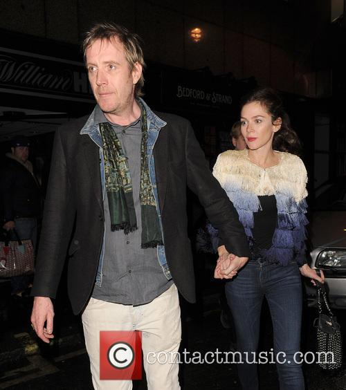 Anna Friel and Rhys Ifans 10