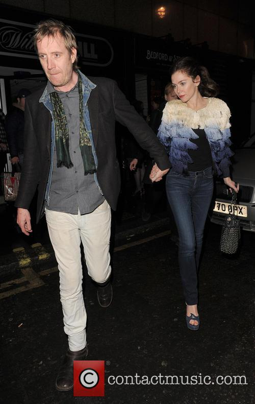 Anna Friel and Rhys Ifans 11