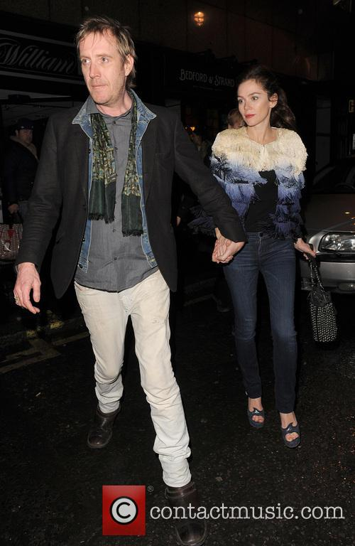 Anna Friel and Rhys Ifans 13