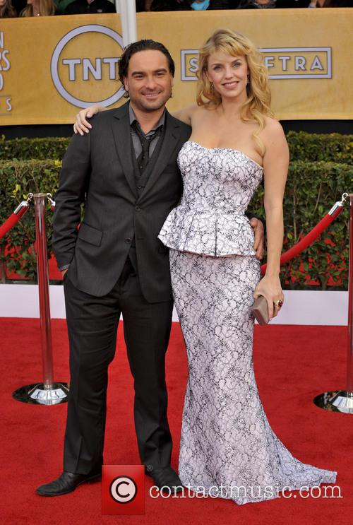Johnny Galecki and Kelli Garner 4