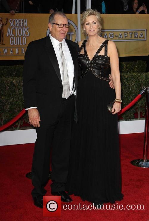 Ed O'neill and Jane Lynch 7