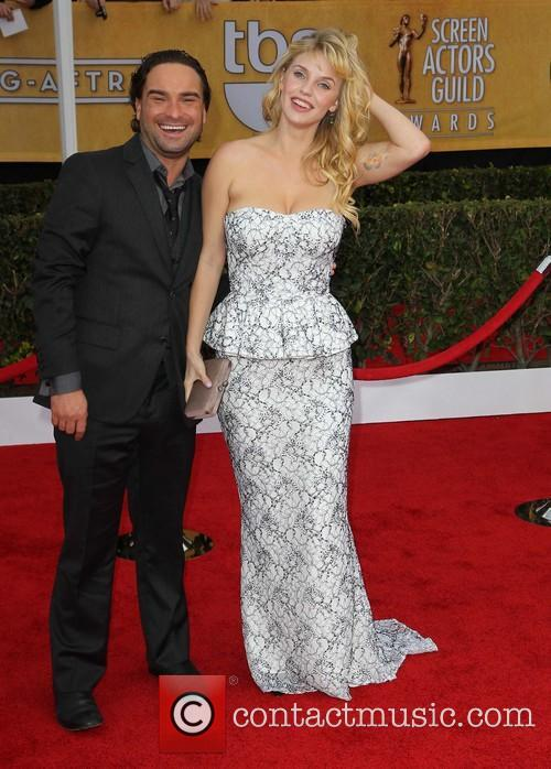 Johnny Galecki and Kelli Garner 8