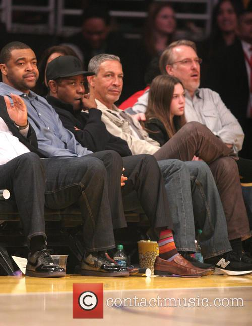 Celebrities watch the LA Lakers