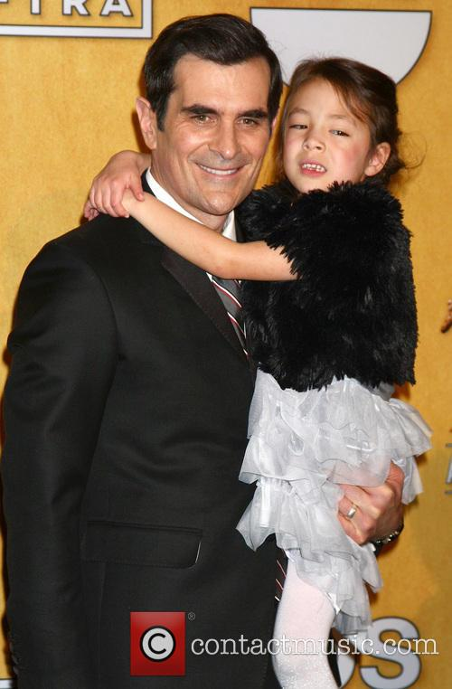 Ty Burrell and Aubrey Anderson-emmons 7