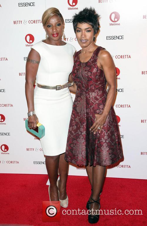 Mary J Blige and Angela Bassett 1