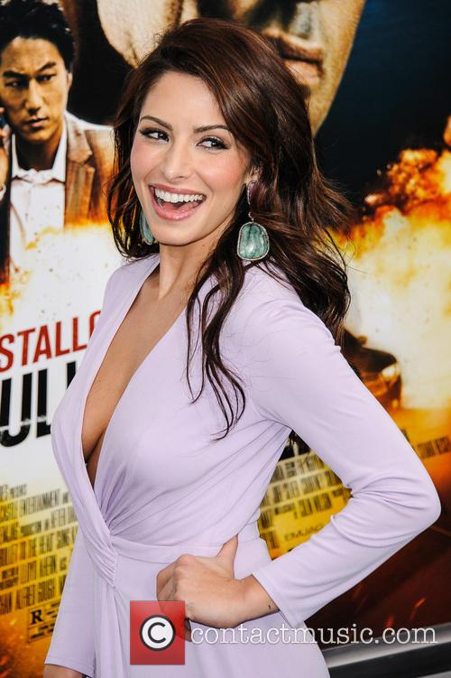 sarah shahi new york premiere of 'bullet to 3475024